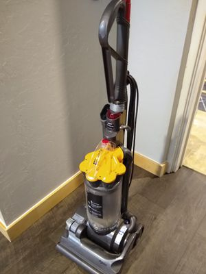 Dyson DC33 Vacuum for Sale in Scottsdale, AZ