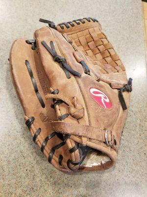 "12.5"" lefty Rawlings baseball softball glove broken in for Sale in Norwalk, CA"