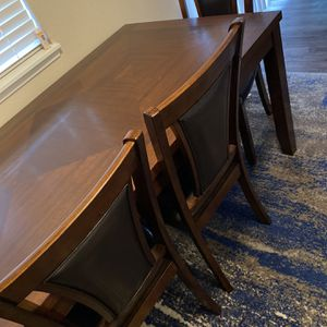 Dining Table for Sale in Lakewood, WA