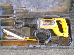 DeWalt 10 AMP Sawzall Reciprocating Saw Blades and Case for Sale in Columbus, OH