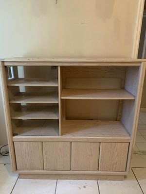 Small Entertainment center or shelves for Sale in Miami, FL