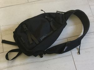New Patagonia sling backpack Black nylon purse for Sale in Grand Rapids, MI
