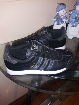 Adidas size 4 1/2 for Sale in Chicago, IL