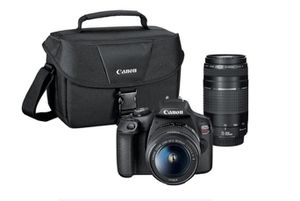 Canon T7i DSLR ( Includes bag & 2 lens ) for Sale in Irvine, CA