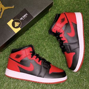 """GS Jordan 1 Mid """"Banned"""" Size: 7Y for Sale in Plano, TX"""