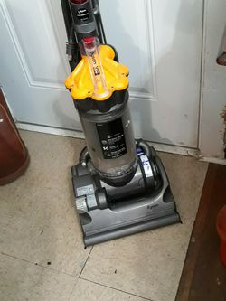 Dyson DC33 Vacuum Cleaner for Sale in San Antonio,  TX