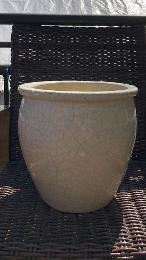 GORGEOUS PLANTER/POT for Sale in Federal Way, WA