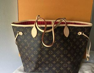 Louis vuitton neverfull MM with pouch for Sale in Las Vegas, NV