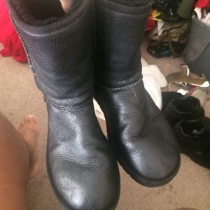 Men's uggs for Sale in Baltimore, MD
