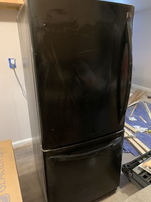 Kenmore Refrigerator/ freezer for Sale in Rockville, MD