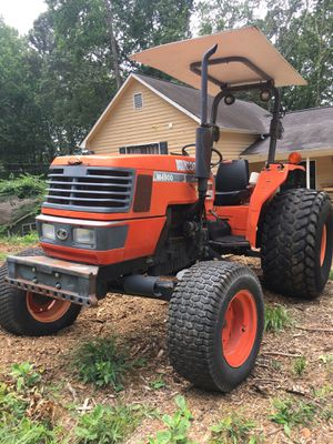 2003 Kubota M4900 Tractor for Sale in Woodstock, GA