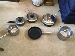 Kitchen pot and pan set for Sale in San Diego, CA