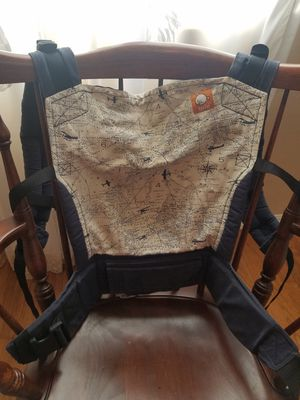 Tula baby carrier and infant insert for Sale in Chula Vista, CA