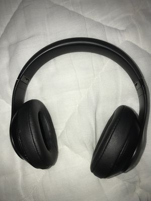 Beats studio 3(WILL TRADE FOR APPLE WATCH 1-3) for Sale in Chesapeake, VA