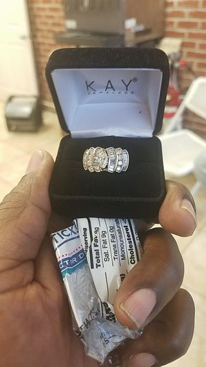Diamond ring 3 carat ladies diamond ring for Sale in Fort Washington, MD