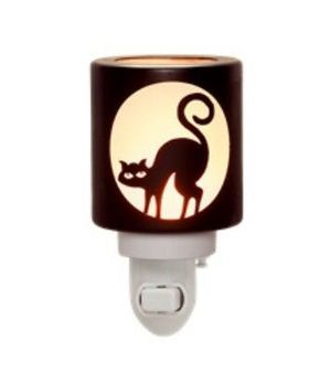 Scentsy warmer superstition for Sale in Beaverton, OR