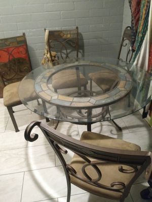 Really nice dinner table and 4 matching chairs. Got it from a nice rich old lady in Scottsdale. Pretty much mint condition. $150 for Sale in Tempe, AZ