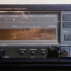 Realistic STA 2380 AM/FM 2 Channel 200 Watt Receiver for Sale in Scottsdale, AZ