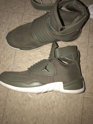 Jordan's size 10 1/2 for Sale in Ford, KY