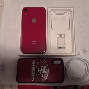 APPLE I PHONE 10 RED XR 64GB for Sale in Merced, CA