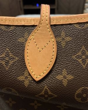 Louis Vuitton Monogram Neverfull Mm Authentic for Sale in Tampa, FL
