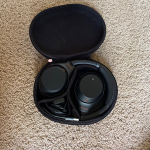 Sony Noise Cancelling Headphones. Bluetooth for Sale in Mesa, AZ