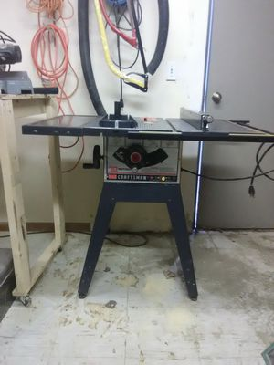 Craftsman 10 in motorized table saw for Sale in Sioux City, IA