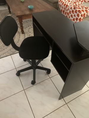 Computer Desk and Chair for Sale in Port St. Lucie, FL