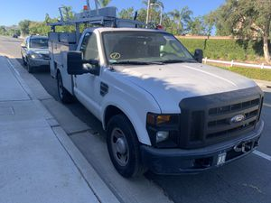 2008 FORD F350 UTILITY BODY IN GREAT CONDITION. VERY LOW MILEAGE for Sale in Fullerton, CA
