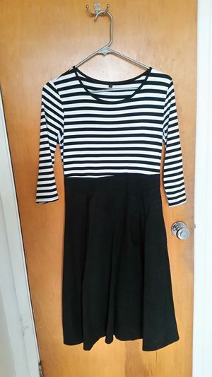 Black & White Striped Dress for Sale in Wenatchee, WA