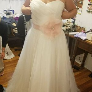 Ivory Wedding Dress for Sale in Stow, OH