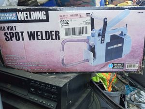 Spot welder 240 v brand new Chicago Electric for Sale in La Habra, CA