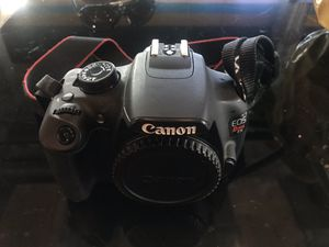 Canon T5 Camera with 2 lens and accessories for Sale in Dallas, TX