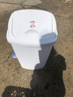 Trash can for Sale in Gaston, SC