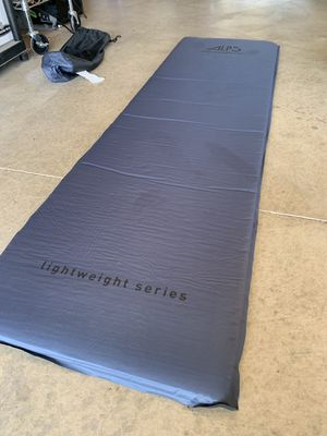 ALPS Mountaineering Lightweight Series Self-Inflating Sleeping Air Pad, Camping Mattress, Size Regular for Sale in Corona, CA