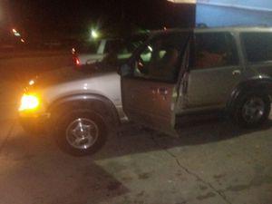 2000 ford explorer for Sale in Flint, MI