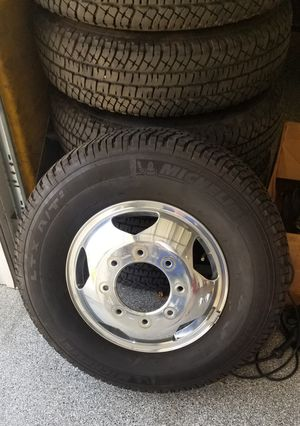 GM dually wheels and tires for Sale in Corona, CA