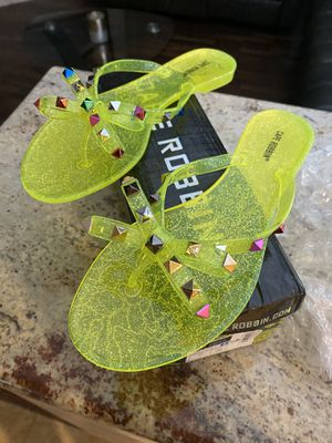 Sandals size 8 is new for Sale in Lehigh Acres, FL