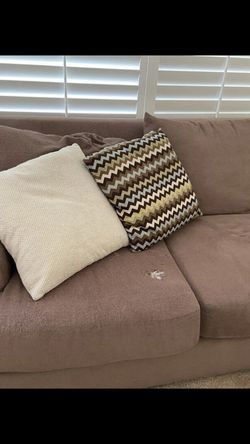 Large Brown Sectional Couch In Good Condition for Sale in San Diego,  CA