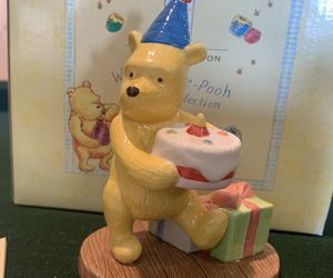 ROYAL DOULTON WINNIE THE POOH/ PRESENTS and PARTIES / Porcelain figurine / new for Sale in Anaheim, CA