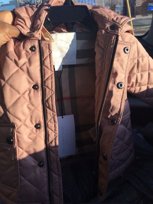 Burberry Girls Spring-Fall Jacket With Hoodie (2T) for Sale in Chicago, IL