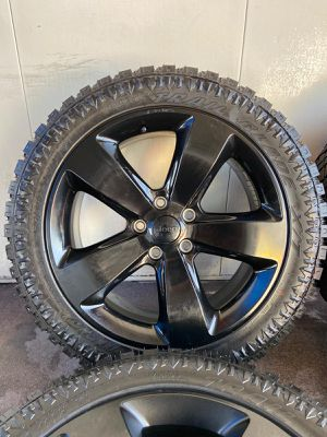 20s JEEP CHEROKEE WHEELS AND TIRES for Sale in Mesa, AZ