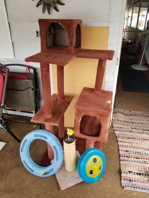 CAT TREE AND TOYS for Sale in Bremerton, WA