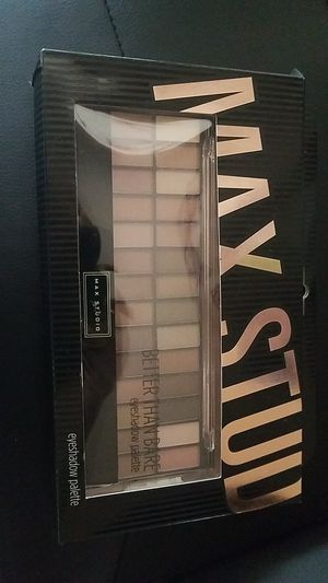 UNOPENED Max studio Better than Bare Eyeshadow Pallete for Sale in Kent, WA