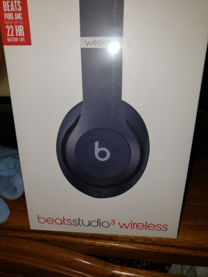 NEW IN BOX DR DRE BEATS STUDIO 3 WIRELESS SKY BLUE PRICE IS FIRM for Sale in Colton, CA