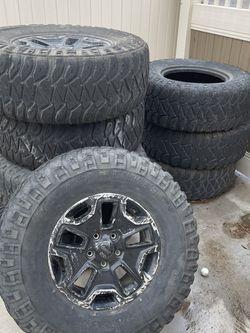 35 Inch Mud Tire Jeep for Sale in Corona,  CA