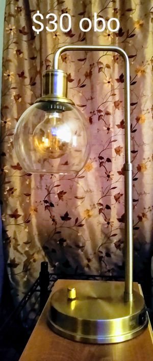 Gold lamp with USB port, plus vintage style bulb for Sale in Kolin, LA