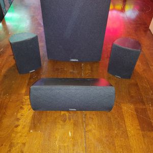 Definitive Technology Surround Sound Package AWESOME for Sale in Waterbury, CT