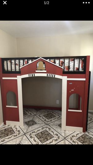 Kids twin firehouse bed!! for Sale in Fresno, CA