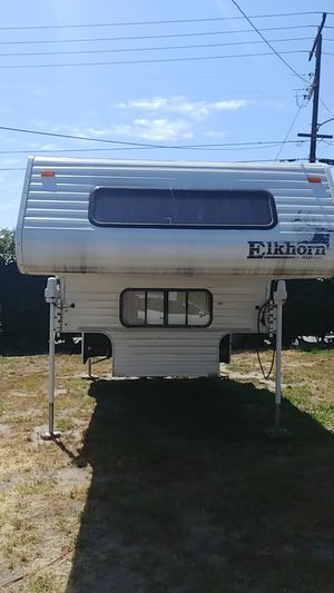 Truck Camper 13' Elkhorn for Sale in Stanton, CA